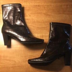 Ladies AEROSOLES brown boots size 6 nwot